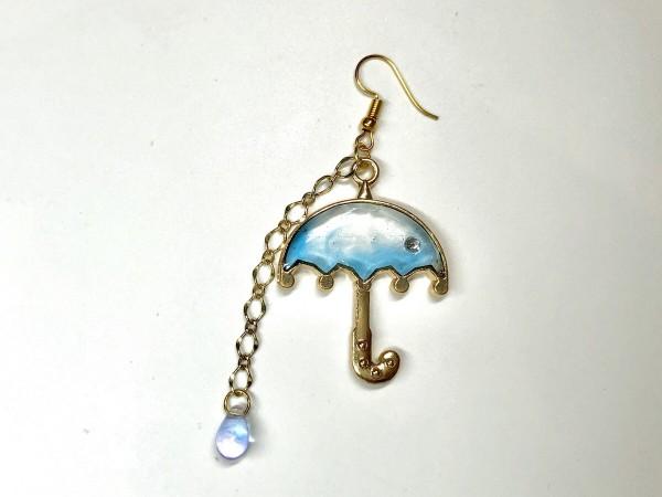 傘のピアス